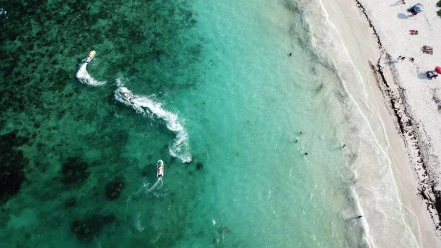hire a jet ski for a fun thing to do in playa del carmen