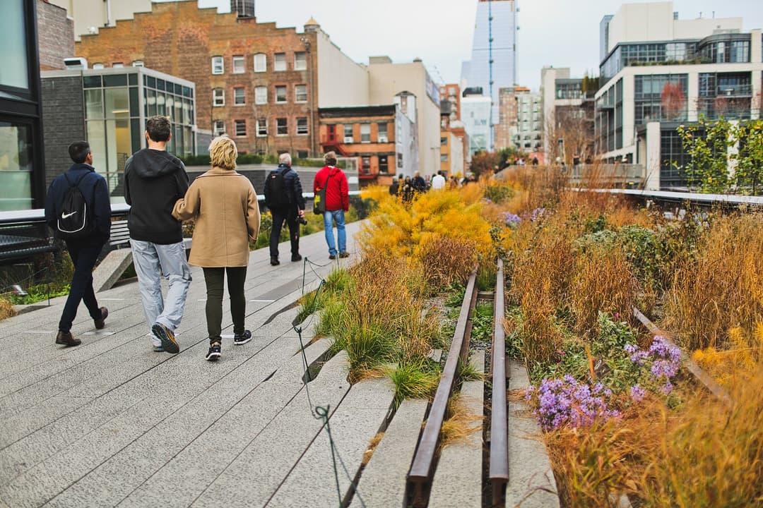 New York High Line Photos + 25 Best Photoshoot Locations NYC