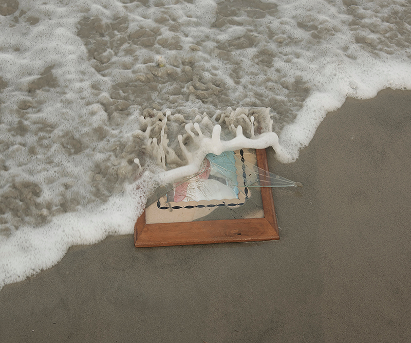 picture frame in the waves