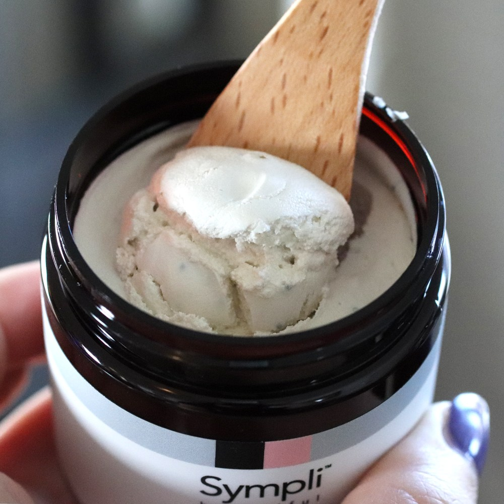 Sympli Beautiful Coconut Smoothing Micro Polish review