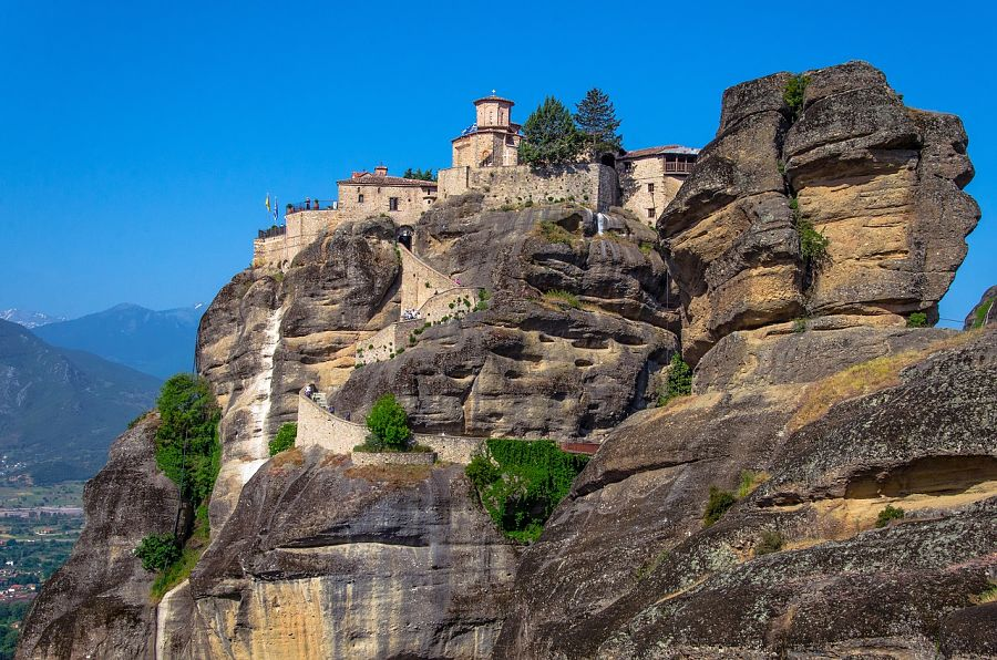 Places to visit in Greece-meteora