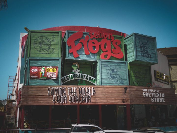 Senor Frogs Cancun - 21 things to do in cancun