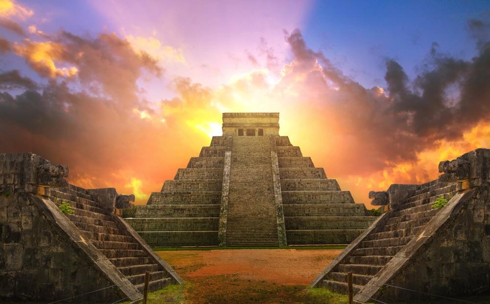 chichen itza ruins day trip from cancun mexico