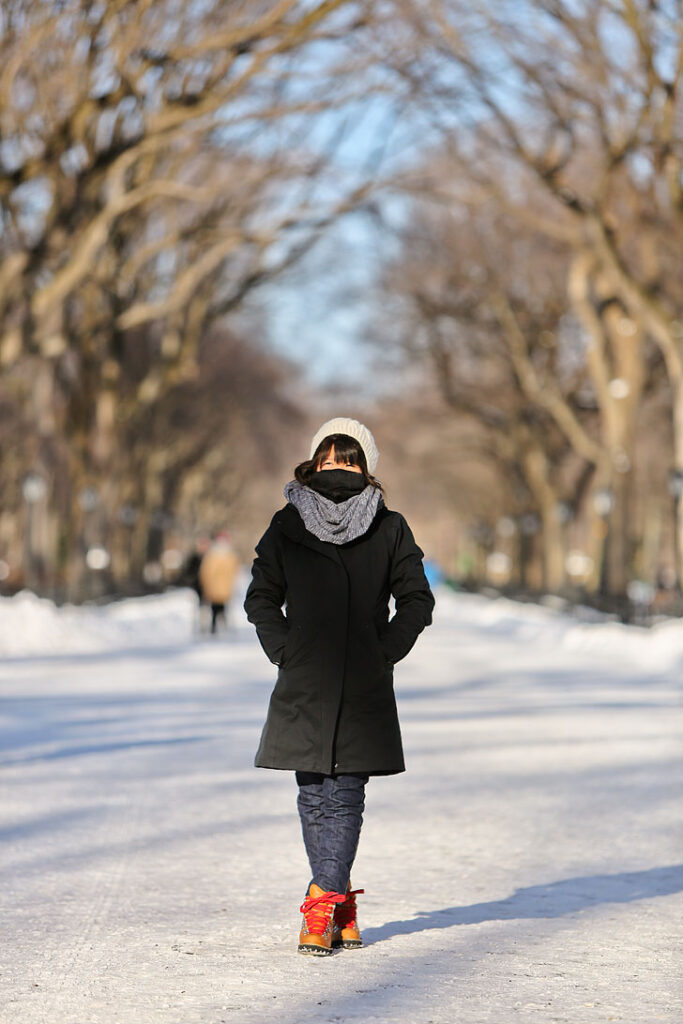 What to Wear in New York in January and February + Best Outerwear New York City ( Fleece Lined Leggings, North Face, Faux Fur ) / localadventurer.com