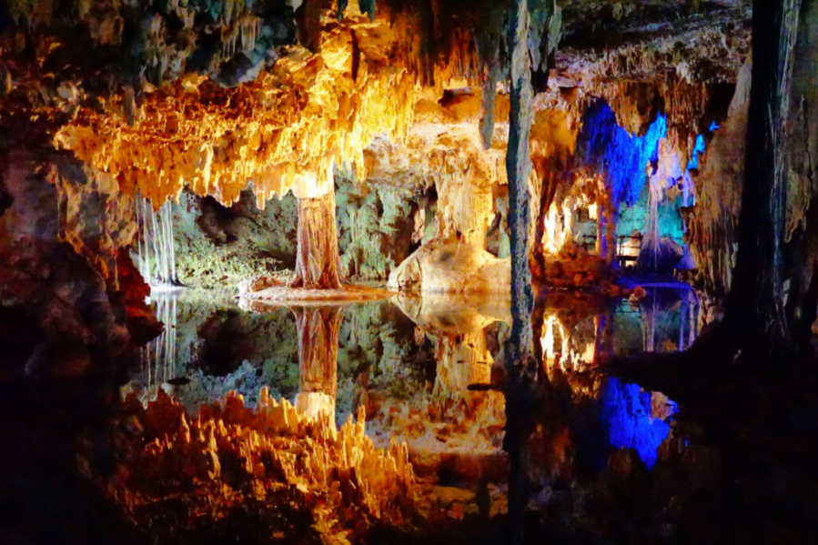 Caracol Caves are the best thing to do in tulum mexico