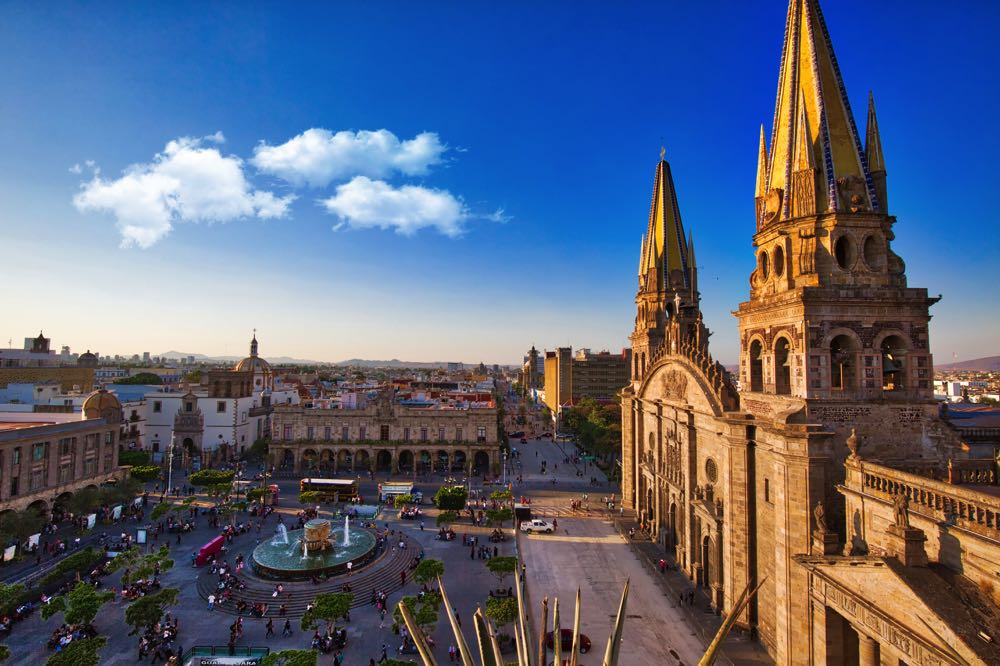 Things to do in Guadalajara visit the plaza de armas