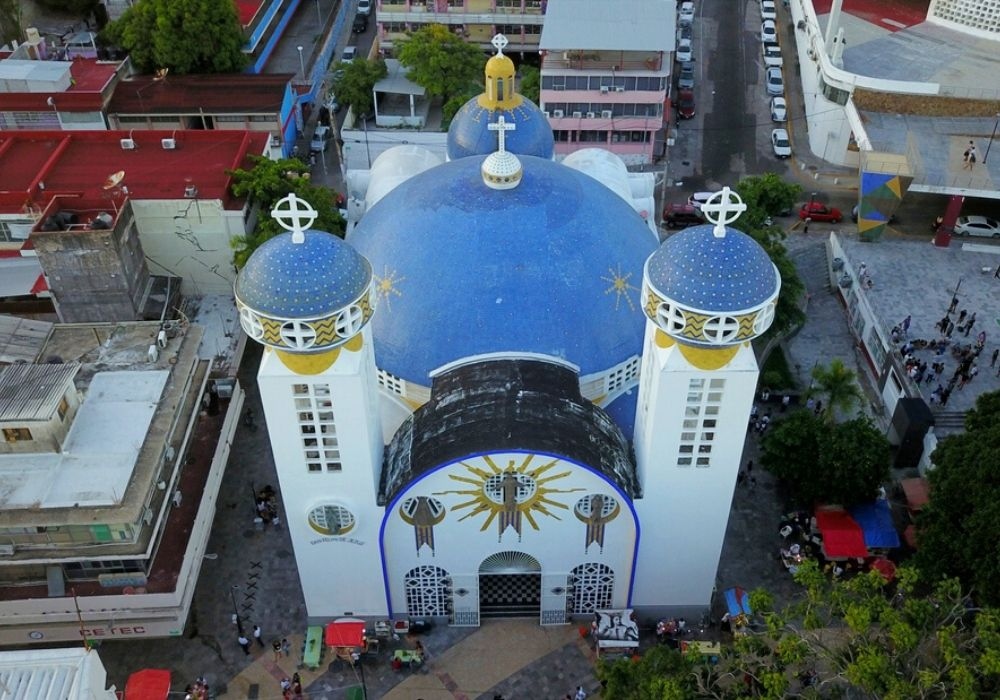 aerial view of the cathedral in the central square of Acapulco