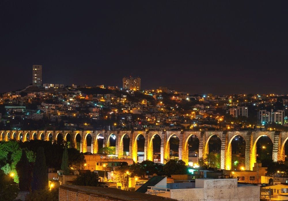 things to do in queretaro visit the aquaduct