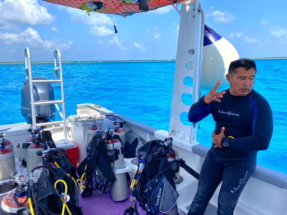 scuba diving cozumel boat and dive guide