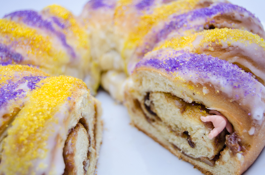 kings cake famous food in new orleans