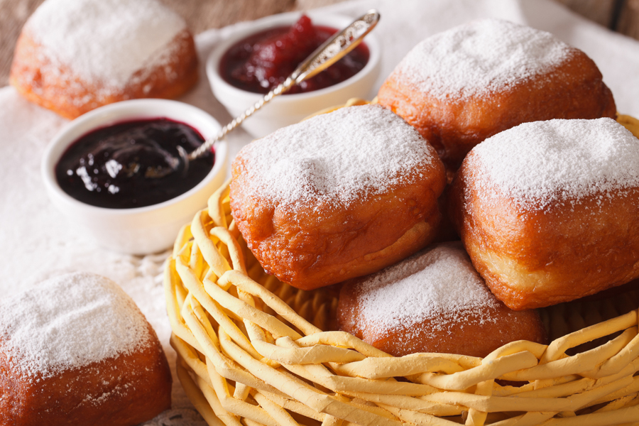 beignets are top new orleans food
