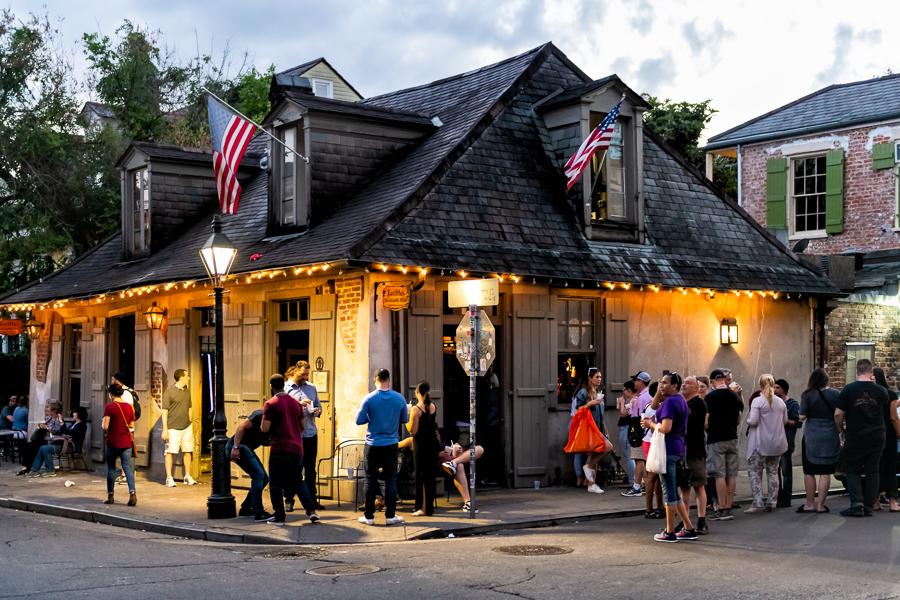 laffittes blacksmith bar new orleans bars