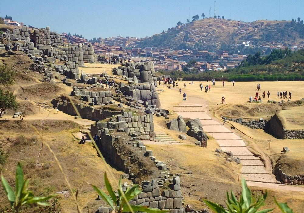 what to do in cusco visit Sacsayhuaman