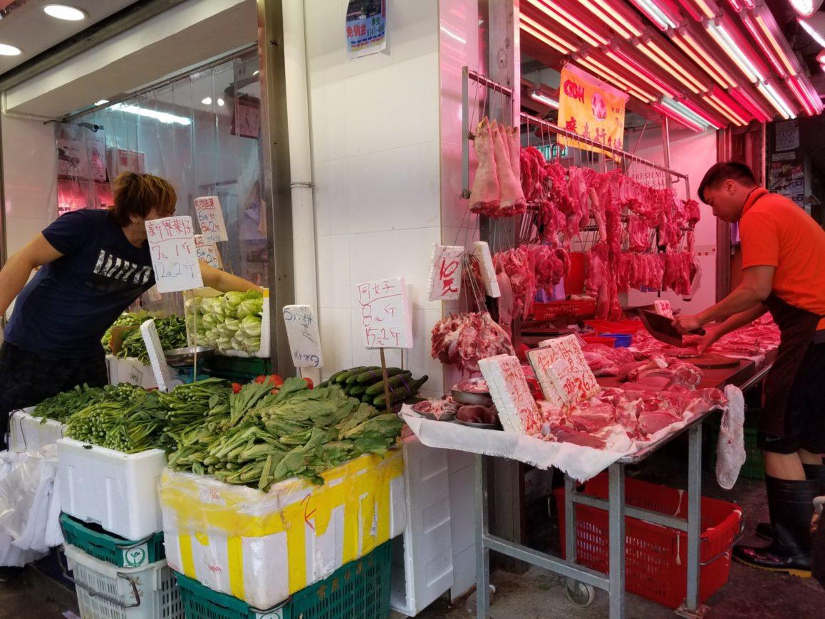 living in hong kong as a digital nomad shopping at markets