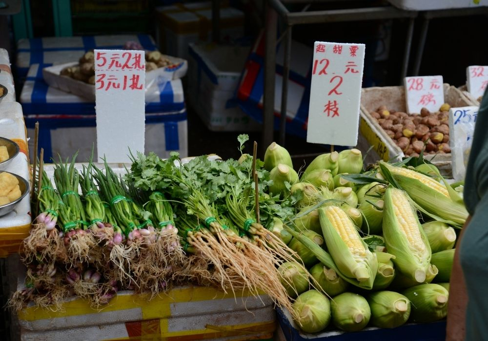 vegetable market in hong kong