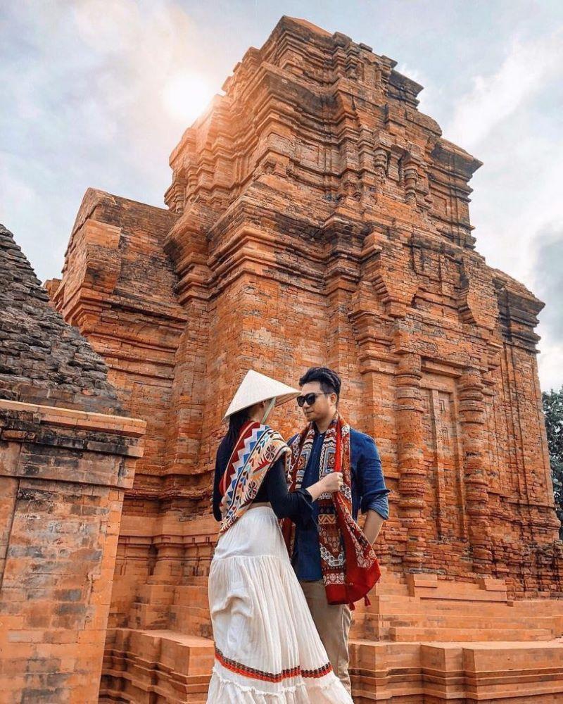 Tháp Poshanư nằm trên đồi Bà Nài, Phan Thiết