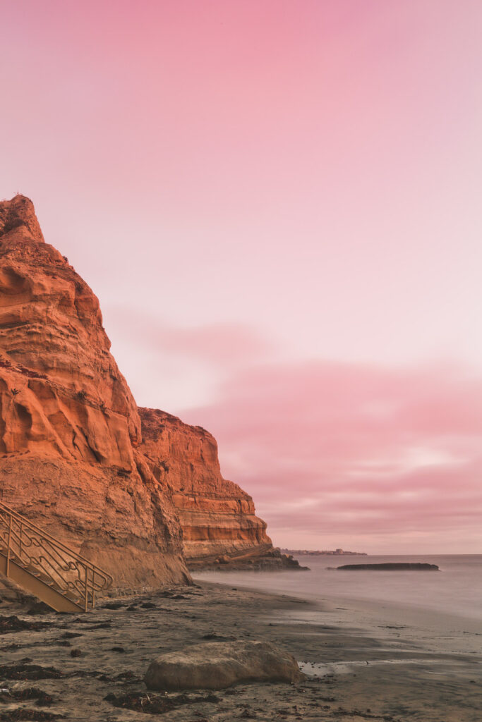Best Places to Hike in San Diego - The Torrey Pines Beach Hikes in San Diego // Local Adventurer #sd #sandiego #california #visitcalifornia #hiking